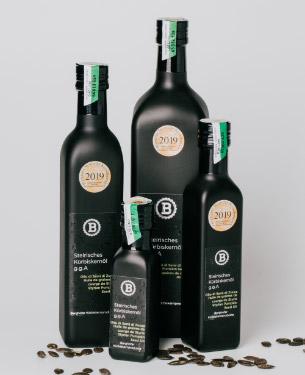 Kürbiskernöl in Flaschen
